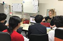大阪事務所にて。フランス語講座を
